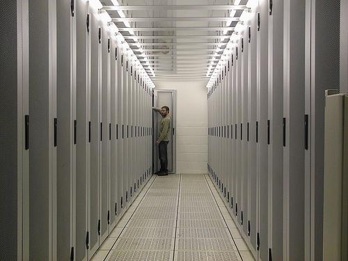 steps building data centers resized 600